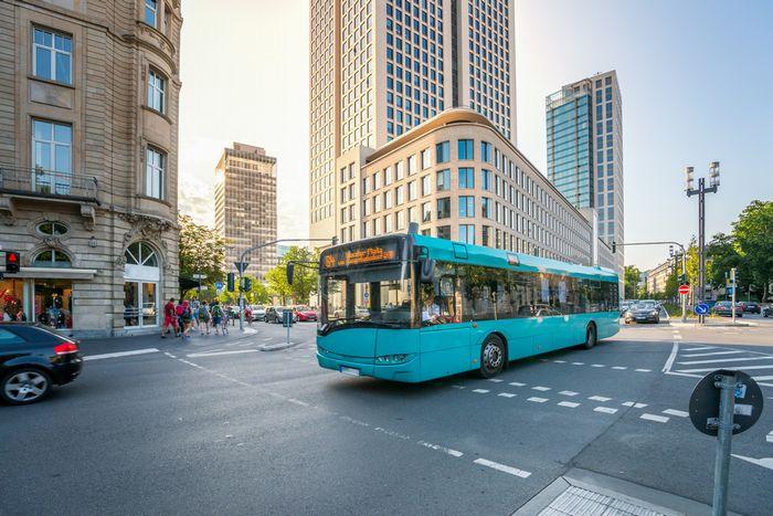 地方の企業は通勤のための交通機関を最大限考慮することで効率的な採用が可能になるのサムネイル