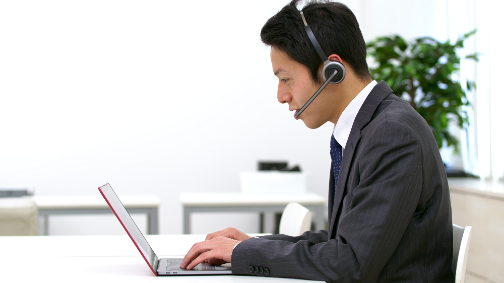 オンライン商談とオフライン商談の違いを理解し最大効果へのサムネイル画像