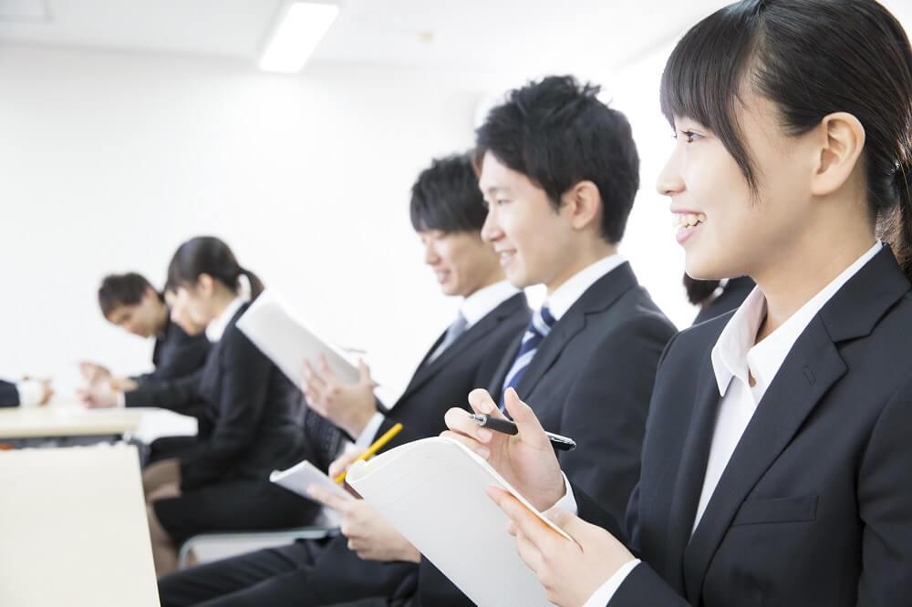 【中小企業の新入社員教育】新人研修サービス活用のポイントのサムネイル